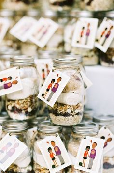 Brides: Jar of Homemade Cookie Mix. Are you known for your amazing homemade cookies? Then package up your signature cookie mix in jars with clear instructions for friends and family to bake at home. Mason Jar Wedding Favors, Wedding Jars, Cookie Wedding Favors, Edible Wedding Favors, Unique Wedding Favors, Wedding Gifts, Wedding Ideas, Cookie Favors, Wedding Keepsakes