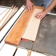 Woodworking Circular Saw Table Saw Sled for Cutting Strips — The Family Handyman - Make cutting strips on your table saw much safer with this tip. Table Saw Sled, Table Saw Jigs, Diy Table Saw, A Table, Wood Table, Learn Woodworking, Woodworking Techniques, Woodworking Bench, Woodworking Crafts