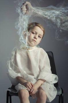 Photographer LEE HOWELL - Choking His Future 2 - PictureOfTheDay - ONE EYELAND  2014-03-09