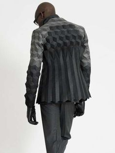 Menswear collection by Ichiro Suzuki, futuristic fashion Ichiro Suzuki, 3d Mode, Geometric Fashion, Geometric 3d, Image Mode, Fashion Details, Fashion Design, Bespoke Tailoring, Inspiration Mode