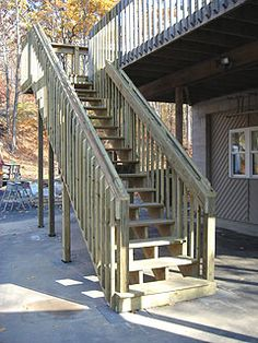 Article about building stairs for a second-story deck. Outdoor Stairs, Deck Stairs, Deck Railings, Railing Ideas, Deck Stair Stringer, Porches, Second Story Deck, Building Stairs, Concrete Stairs