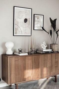 Home Decor Wall Art, Living Room Decor, Diy Home Decor, Living Room Inspiration, Home Decor Inspiration, Sideboard Dekor, Retro Sideboard, Teak Sideboard, Café Design