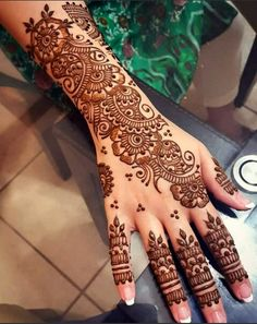 Explore latest Mehndi Designs images in 2019 on Happy Shappy. Mehendi design is also known as the heena design or henna patterns worldwide. We are here with the best mehndi designs images from worldwide. Henna Tattoo Designs, Henna Tattoos, Wedding Henna Designs, Indian Henna Designs, Latest Arabic Mehndi Designs, Engagement Mehndi Designs, Back Hand Mehndi Designs, Mehndi Designs Book, Mehndi Design Pictures