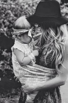 boho chic mother and baby photography black and white Mother And Child, Mother Mother, Mother Daughters, Mothers Love, Mommy And Me, Baby Wearing, Baby Fever, Future Baby, Family Photography