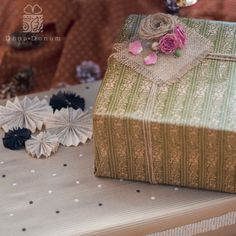 Elegant gift wrap