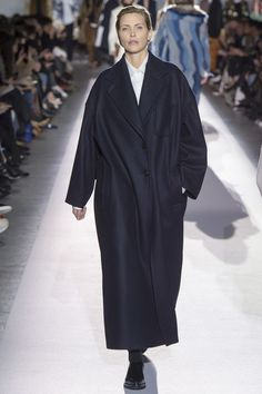 Navy coat. Nadja Aue
