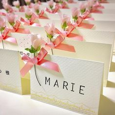 DIYしたくなる♪結婚式の席札デザインアイディアまとめ | みんなのウェディングニュース Wedding Crafts, Wedding Favors, Wedding Decorations, Comic Wedding, Tea Table Settings, Thank You Party, Diy And Crafts, Paper Crafts, Name Cards