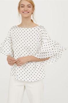 83d96cd45a Блузка с оборкой на рукавах - Белый Черный горошек - Женщины