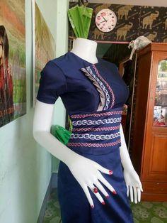 Traditional Dresses Designs, Traditional Outfits, Batik Fashion, Fashion Sewing, Myanmar Dress Design, Dress Design Drawing, Myanmar Traditional Dress, A5, Bagel