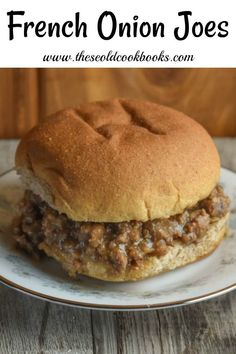 With just four ingredients, these French Onion Joes are a quick dinner option. These loose meat sandwiches without the tomatoes are an easy alternative to traditional sloppy joes. Roast Beef Sandwich, Soup And Sandwich, Made Right Sandwich Recipe, Meat Appetizers, Appetizer Recipes, Loose Meat Sandwiches, Dinner Sandwiches, Sloppy Joes Recipe, Sloppy Joe Recipe Without Ketchup