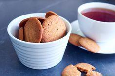 Dette er noen skikkelige engelske godbiter som er perfekte til en dannet kopp te. Disse ble umåtelig… Ginger Snaps, Muffin, Baking, Breakfast, Food, Morning Coffee, Bakken, Essen, Muffins