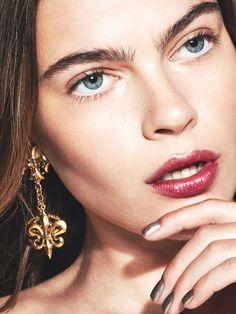 Metallic makeup ideas: metallic lips