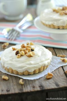 Maple Mousse Cheesecake Tarts {no-bake}/ didnt add the sugar and it was sweet enough for our taste. Presentation in mini glass Tart Recipes, Best Dessert Recipes, No Bake Desserts, Sweet Recipes, Delicious Desserts, Yummy Food, Awesome Desserts, Cheesecake Tarts, Cheesecake Recipes