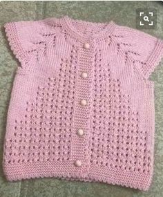 This is a very easy pattern, mostly baby knitting this model. - This is a very easy pattern, mostly baby knitting this model. Starting from the collar 3 plain 1 dr - Baby Knitting Patterns, Baby Cardigan Knitting Pattern Free, Knitting For Kids, Crochet For Kids, Easy Knitting, Baby Girl Dresses, Baby Dress, Easy Model, Baby Afghan Crochet