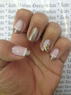 Beautiful nail art designs that are just too cute to resist. It's time to try out something new with your nail art. Beautiful Nail Designs, Beautiful Nail Art, Gorgeous Nails, Love Nails, Pretty Nails, Nail Deco, Oval Acrylic Nails, Metallic Nail Polish, French Nail Art