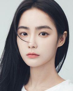 Image may contain: 1 person, closeup korean makeup in 2019 korean beauty gi Asian Makeup Looks, Korean Makeup Look, Korean Beauty Girls, Asian Beauty, Beauty Makeup, Eye Makeup, Hair Beauty, Makeup Tips, Girl Face