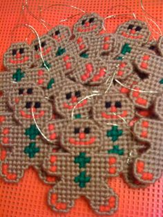 Discover thousands of images about Plastic Canvas House Patterns Plastic Canvas Ornaments, Plastic Canvas Crafts, Plastic Canvas Patterns, Plastic Craft, Gingerbread House Patterns, Gingerbread Men, Gingerbread Ornaments, Ornament Box, Plastic Canvas Christmas