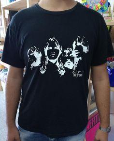 Maglia t-shirt Pink Floyd nera di CreativamenteLab su Etsy