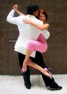#Tango Anyone? Loom At Those Shoes! #Heels