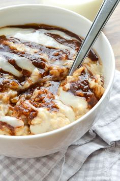 Cinnamon Roll Oatmeal... this might just get me to finally eat oatmeal