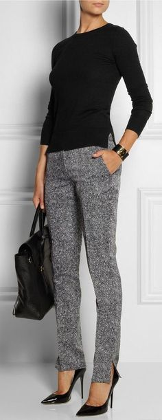 Love this simple outfit but would definitely break something in those heels!!! Work outfit for fall | Over 40 Fashion | Work wear over 50 | Stylish over 50 fashion #women'sfashionforover50 #womenworkoutfits