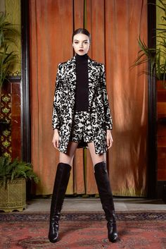Alice + Olivia Fall 2015 Ready-to-Wear Collection Photos - Vogue