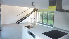 Pose de carrelage et agencement design dans cette cuisine US contemporaine à Lille. Professionnel expert de l'éco-rénovation Qualibat RGE. Design, Contemporary, Design Comics