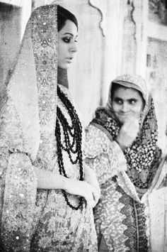 traditional look Ali Xeeshan, Pakistani Culture, Vintage Bollywood, Traditional Looks, Real Beauty, Film Industry, Indian Fashion, Indian Style, Couple Photos