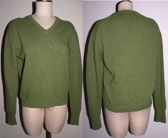 1970s 70s Sweater / V-Neck / Pullover / by JewvenchyVintageshop