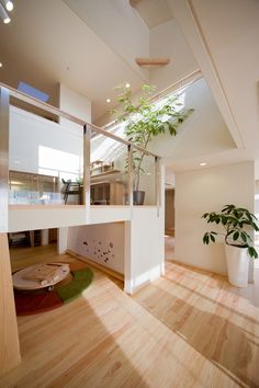Tall plant in loft Tiny House Loft, Tiny House Design, Modern House Design, Modern Interior Design, Interior Architecture, Home Renovation, Japanese Interior, Asian Interior, Japanese House