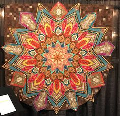 Here are our favorite quilts from the recent Quilt Arizona show! The annual exhibit by the Arizona Quilters Guild draws visitors from aroun. Star Quilt Blocks, Star Quilts, Pattern Blocks, Quilt Patterns, One Block Wonder, Kaleidoscope Quilt, International Quilt Festival, Panel Quilts, Longarm Quilting