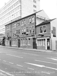 The Old Cricket Players Public House Nottingham Pubs, Local History, Family History, Derbyshire, Pinterest Marketing, Old Pictures, Historical Photos, Media Marketing, Cricket