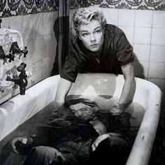 Les Diaboliques (1955) | 23 Underrated Foreign Horror Movies You Need To See ASAP