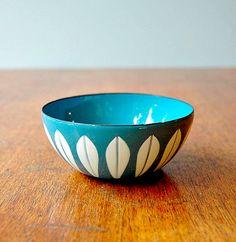 loving this vintage Catherineholm bowl