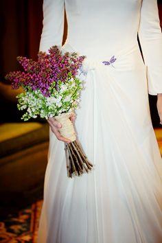 Consejos sobre cómo elegir ramo de novia para el día de la boda: un ramo de flores silvestre