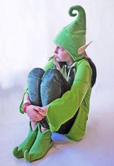 Fairies Elves and Pixies Shoes Pattern von lauraleeburch auf Etsy Christmas Elf Costume, Halloween Crafts, Halloween Costumes, Elf Shoes, Funny Hats, Elf Hat, Shoe Pattern, Ugly Christmas Sweater, Elves