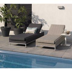 Allweather en leverbaar in stone grey en taupe Outdoor Lounge, Outdoor Living, Outdoor Decor, Ibiza, Contemporary Garden, Grey Stone, White Walls, Taupe, Sun Lounger