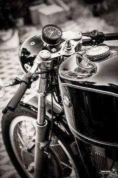 BMW Cafe Racer #CafeRacer #BMW #TonUp
