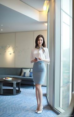 """Waiting my client to arrive, dressing en-femme as office lady. We never meet before, thus they don't know me at all. I told them that my """"sales lady"""" will meet them. Asian Fashion, Look Fashion, Girl Fashion, Fashion Outfits, Womens Fashion, Fashion Trends, Mode Outfits, Office Outfits, Asian Woman"""