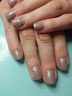 Cream and sugar gel polish with freehand nail art