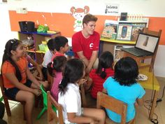 First English lesson using the *Little Reader* program at the Ludoteca Center.