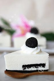 dailydelicious: Oreo Cheesecake:Oreo again! I never have enough of it ^^