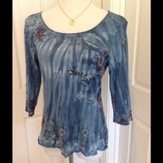 I just discovered this while shopping on Poshmark: Artsy Shirt. Check it out!  Size: L
