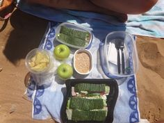 Quick, tasty and healthy lunch not only for the day on the beach ;-)