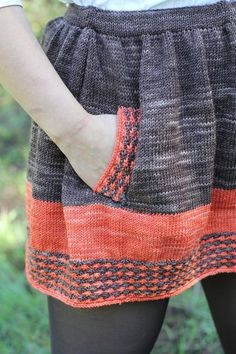 Knit Indie Skirt Pattern - looks awesome with a pair of tights and some flats