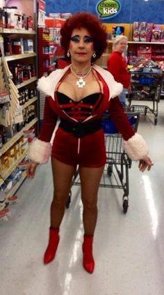 Classy people of Walmart 2014 Part 2 (newest entries 34 pics) - Seriously, For Real? Funny Walmart People, Walmart Shoppers, Funny People, Classy People, Only At Walmart, Fashion Fail, The Martian, Funny Pictures, Crazy Pictures