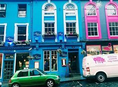 Gorgeous shot of #Edinburgh via @beautystandardssuck #thisisedinburgh #travel #colorful #colorfulbuildings #streets #pinkandblue #blue #pink #travel #pretty #prettystreets #sugarluxeshop sugar luxe shop