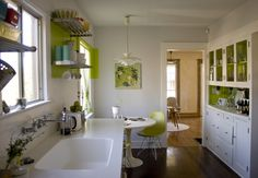 Love these kitchen cupboards