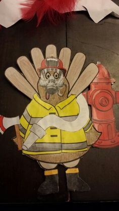 After many hilarious attempts, Tom Turkey has come up with the perfect disguise. What is your perfect Turkey in Disguise costume? Turkey Project, Turkey Craft, Thanksgiving Projects, Thanksgiving Activities, Thanksgiving Turkey, Turkey Template, Project Mermaid, Turkey Disguise, Tom Turkey