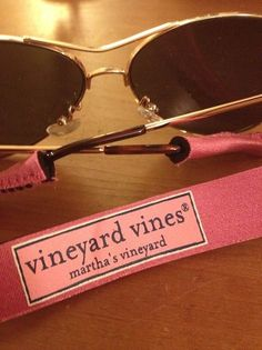 vineyard vines -cant wait to use these babies! If you buy them and have Ray Ban Wayfayers, you need to unstitch the first few stitches and then tie them back afterwards! Preppy Southern, Southern Belle, Southern Prep, Preppy Girl, Preppy Style, My Style, Body Suit Outfits, Preppy Outfits, Prep Life